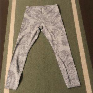 EUC Athleta palm tights. Sz M. Light Grey/black